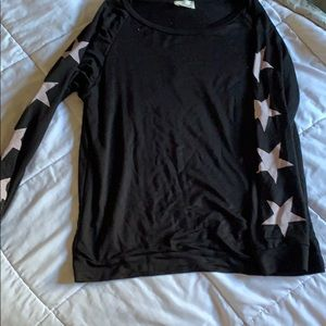 Black long sleeve gray star sleeves L